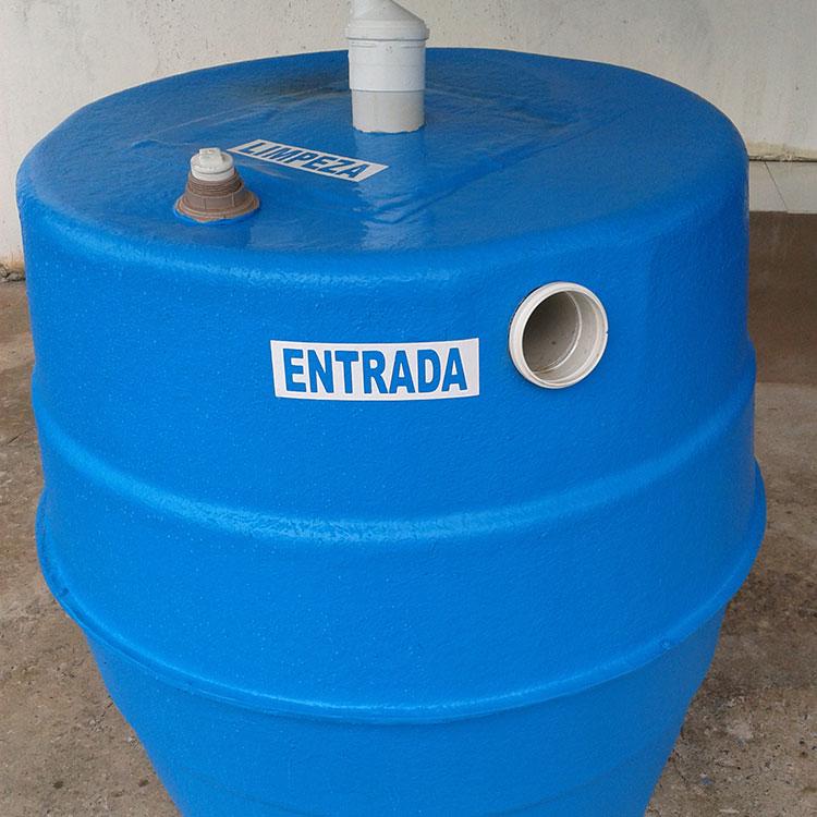 Caixa d 39 gua e piscina udi fibras for Piscina de 6000 litros